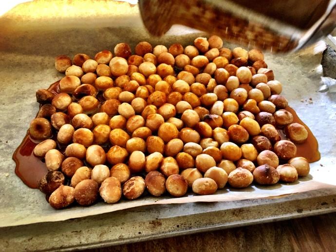Macadamia Praline